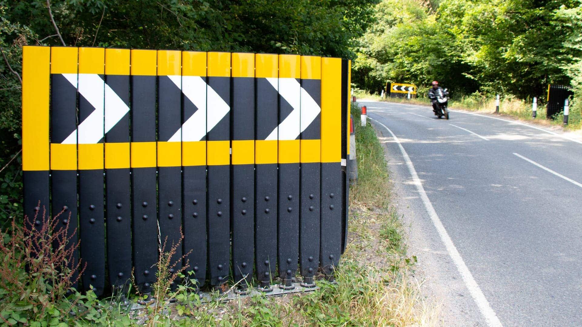 Evo Chev RSRB Chevron road sign