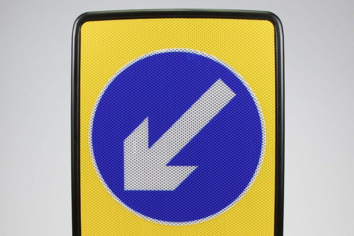 Keep left bollard Evo-N